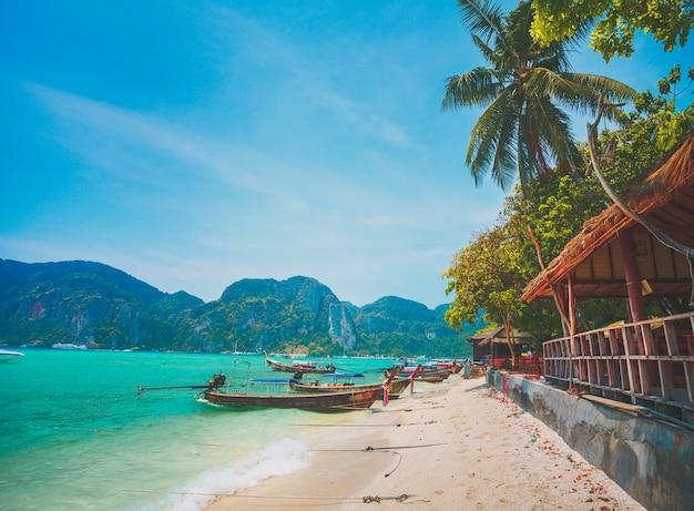 Aldeia local, costa do oceano. ilha phi phi.
