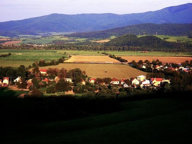 Aldeia paisagem cênica eslováquia