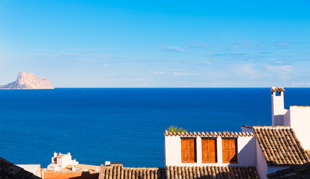 Aldeia velha de altea em branco típico mediterrâneo em alicante