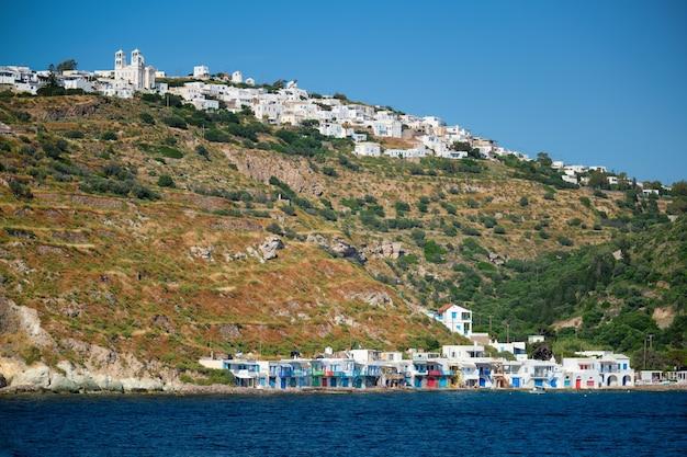 Aldeias klima e plaka na ilha de milos na grécia