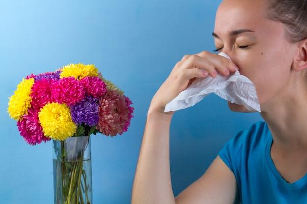 Alergia sazonal a plantas com flores e pólen