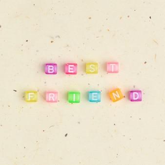 Alfabeto de contas de palavras do melhor amigo