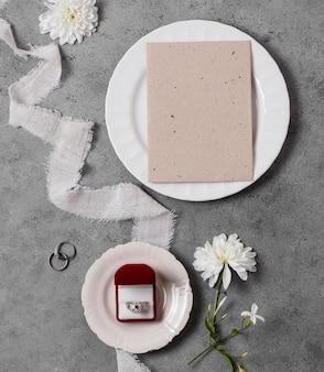 Aliança de casamento em caixa com vista superior