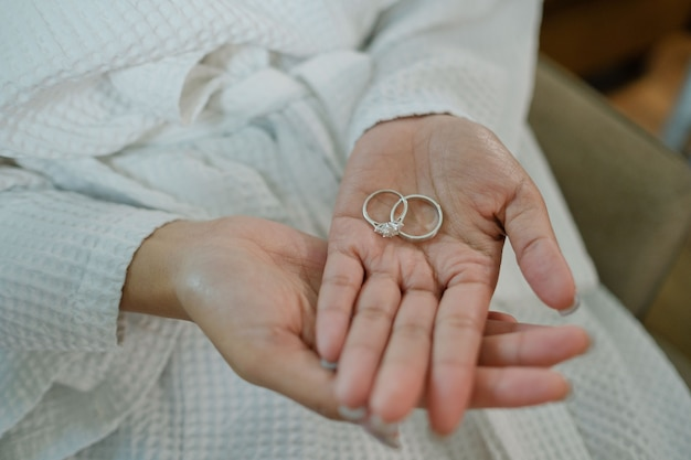 Aliança na mão da noiva