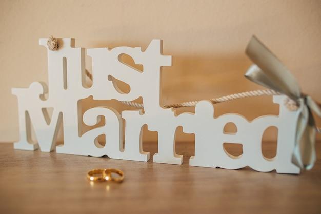 Alianças de noivado de noivado