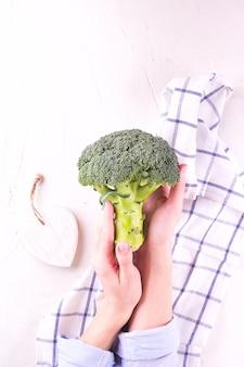 Alimento do vegetariano da dieta saudável, refeição dos brócolis.