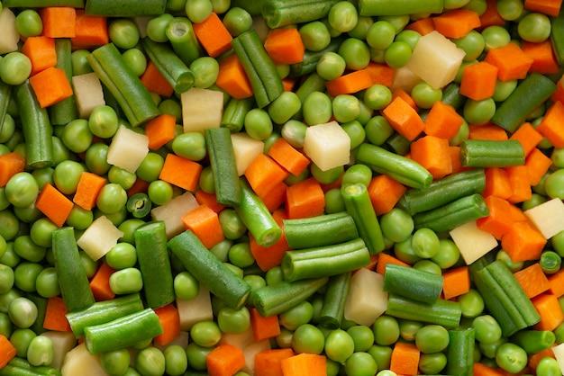 Alimento misto vegetais picados crus
