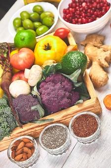 Alimentos orgânicos para uma nutrição vegana saudável. comida vegetariana