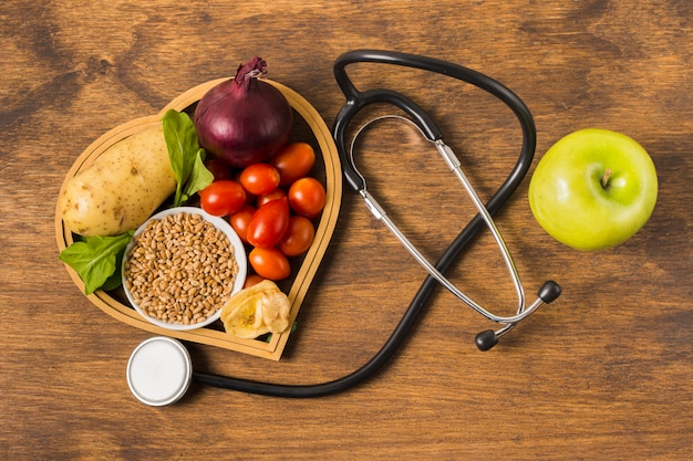 Alimentos saudáveis e equipamentos médicos