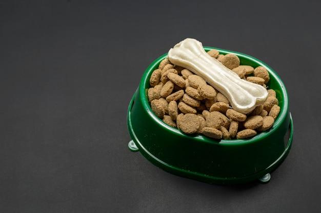 Alimentos secos para cães ou gatos