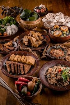 Alimentos tradicionais da indonésia asiática
