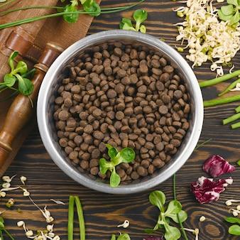 Alimentos veganos especiais para animais e ingredientes crus naturais