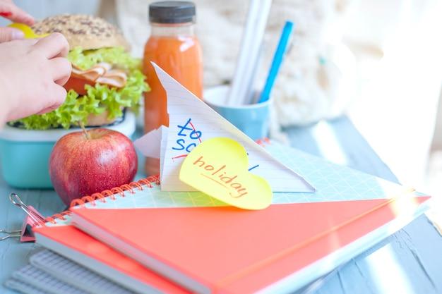 Almoço para a escola.