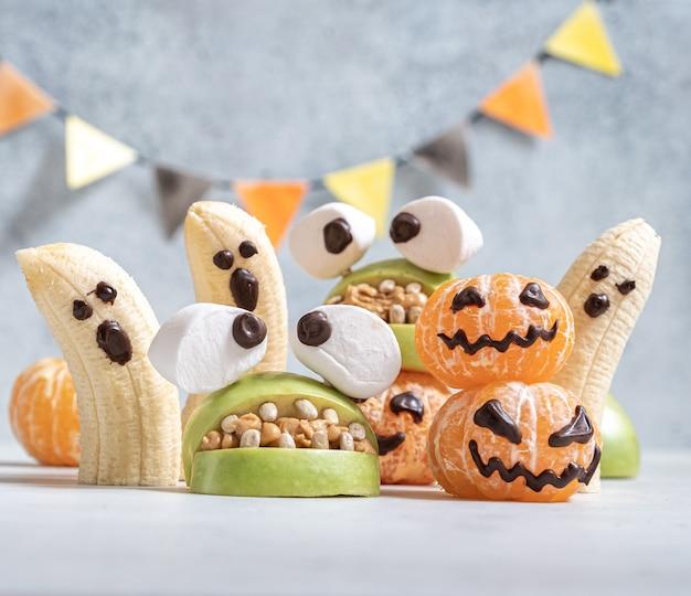 Almoço saudável de halloween para crianças