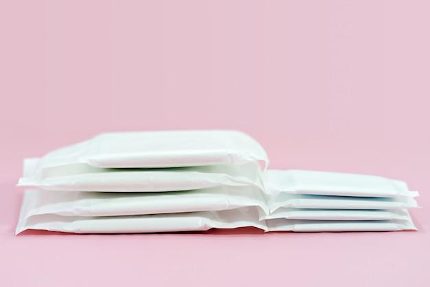 Almofada higiênica empilhada