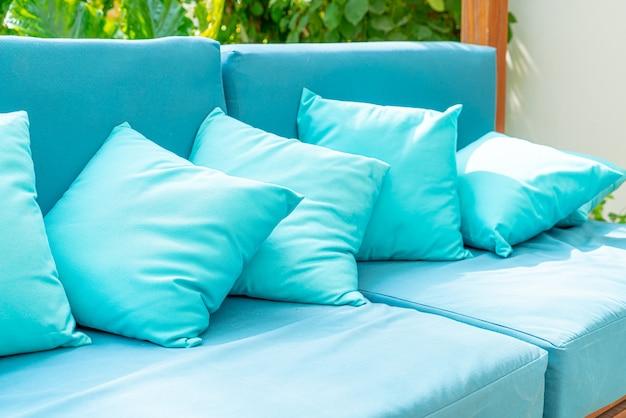 Almofada no sofá cadeira decoração pátio ao ar livre