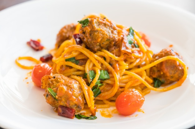 Almôndegas de esparguete