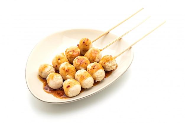 Almôndegas de porco grelhadas com molho de pimenta doce