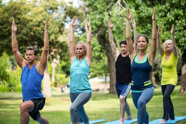 Alongamento de aula de fitness