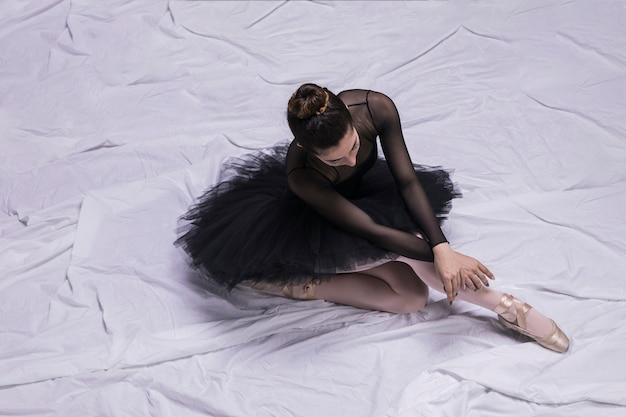 Alto, ângulo, bailarina, sentando, postura