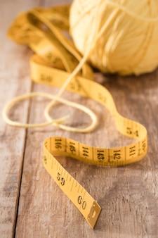 Alto ângulo de fita métrica com rosca