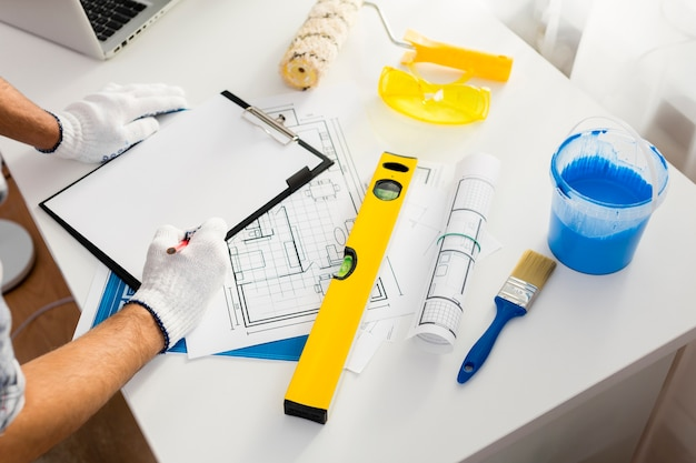 Alto ângulo de materiais e plano de trabalho