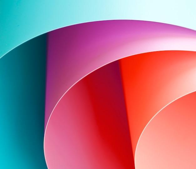 Alto ângulo de papéis dobrados coloridos