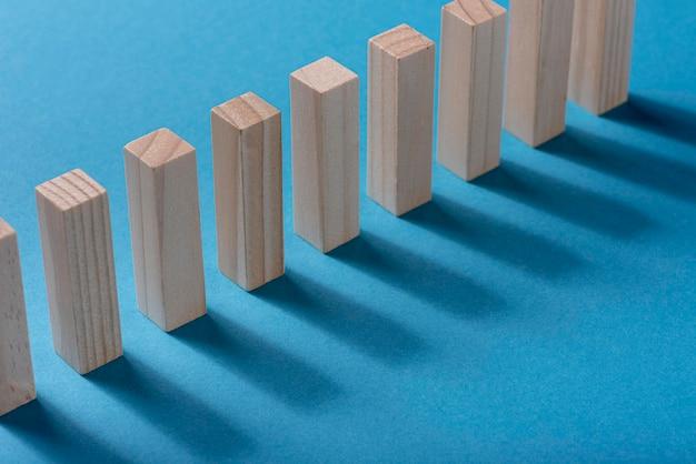 Alto ângulo de peças de dominó