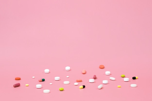 Alto ângulo de pílulas com espaço de cópia