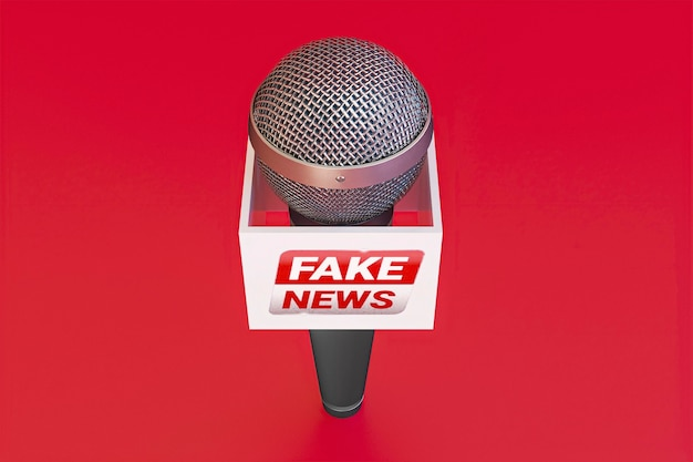 Alto ângulo do microfone de transmissão com notícias falsas