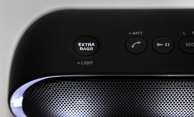 Alto-falante bluetooth preto com luzes