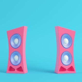 Alto-falante rosa estilo desenho animado sobre fundo azul brilhante em tons pastel