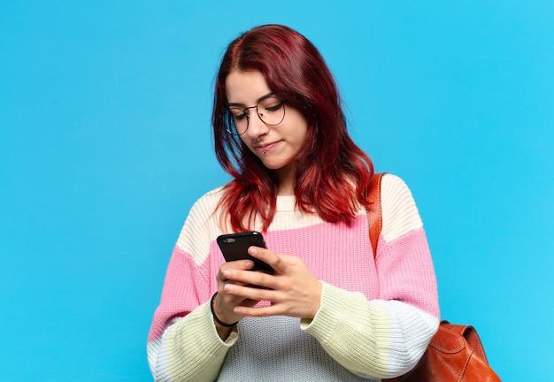 Aluna tty usando o telefone