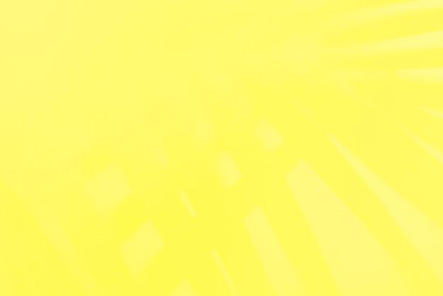 Amarelo lima brilhante com folhas de sombra tropical