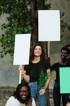 Ambientalistas protestando pelo meio ambiente
