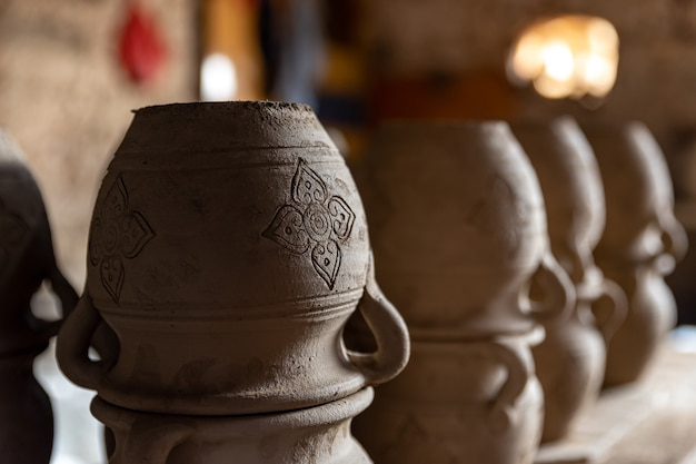 Ambiente de fábrica de cerâmica tradicional