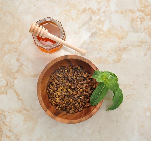 Ambrosia - um resíduo de abelhas e mel