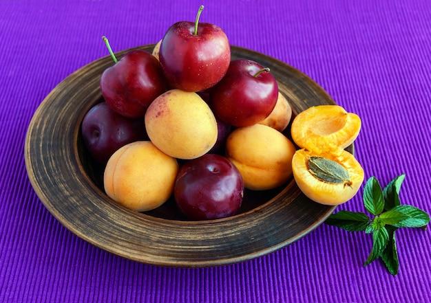 Ameixas maduras (variedade:
