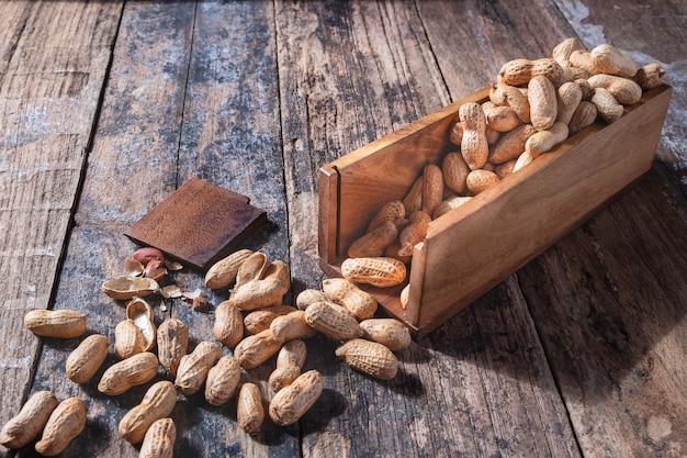Amendoim em uma tigela