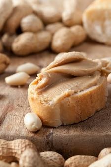Amendoins são usados na pasta