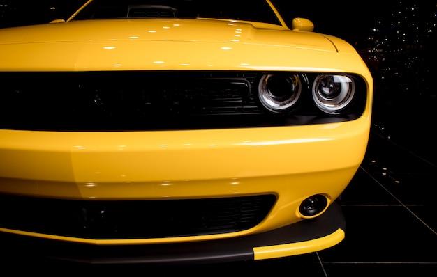 American muscle car - design esportivo, frente Foto Premium