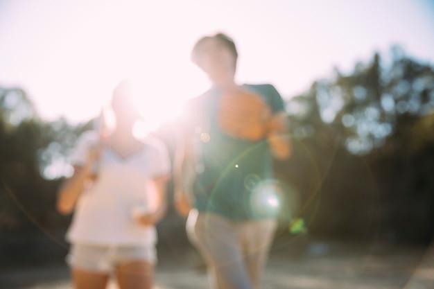Amigos adolescentes, desfrutando, verão
