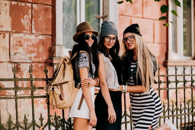Amigos de moda na cidade