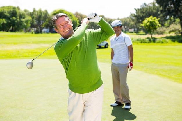 Amigos do golfe começando
