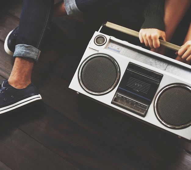 Amigos, escutar música