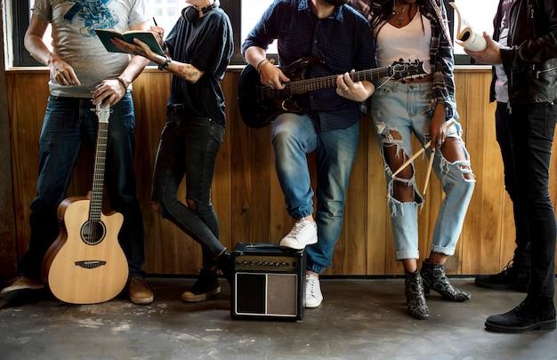Amizade de ensaio de banda musical juntos