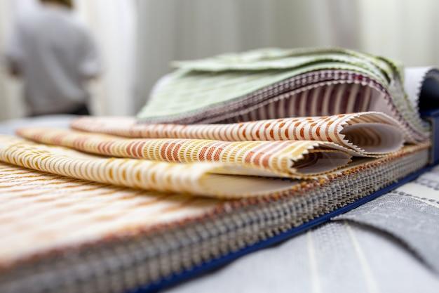 Amostra de tecido. textura texturizada para cortinas e conforto em casa