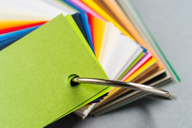 Amostras de cores de papel
