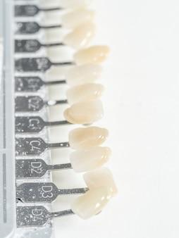 Amostras de dentes dentais, cor dental