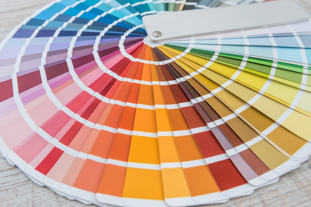 Amostras de paleta de espectro de guia de cores, catálogo para tingimento, papel arco-íris de escolha múltipla